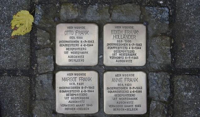 In navolging van bijvoorbeeld Anne Frank en haar familie krijgen nu ook de laatste in de oorlog omgebrachte Borculose Joden een Stolperstein.