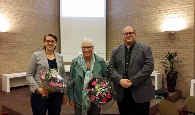 Van links naar rechts: Anita v.d. Poel, Thea Noordzij en voorzitter David van Kwawegen. (Foto: Privé)