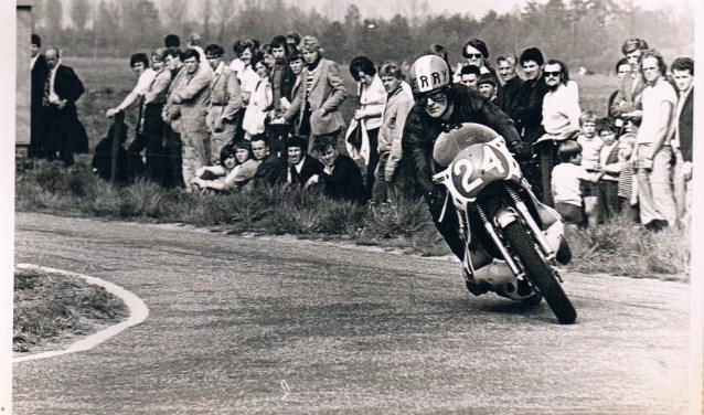 Als motorcoureur draaide Ben Smetsers aardig mee op het hoogste niveau, maar hij  beschouwde zichzelf zeker niet als de beste.
