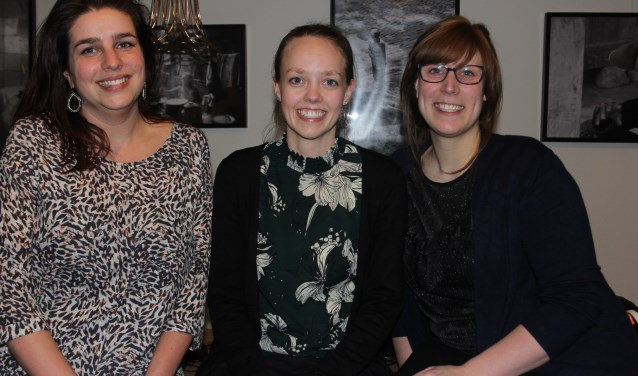Lenneke Blokx, Chantal Spierings en Dorianne Boselie vormen samen met nog drie andere de concertcommissie die ter gelegenheid van het 100-jarige bestaan Vrienden van Harmonie Wilhelmina Live organiseren
