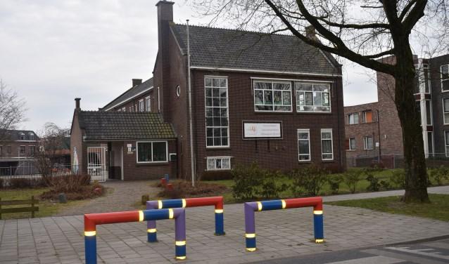Het college van burgemeester en wethouders heeft besloten dat het gebouw van De Touwladder behouden blijft. De gemeente vraag inwoners om mee te denken over de nieuwe invulling. Foto: Jolien van Gaalen.