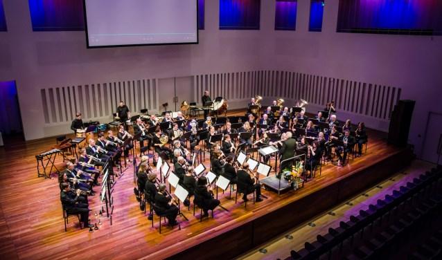Het orkest L'Echo des Montagnes tijdens Verrassende Ontmoetingen in de Concertzaal, in januari van dit jaar. foto: Ramon Wolkenfelt.