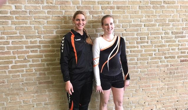 Trainster Annemieke de Jong met Amy Uuldriks. De Special Olympics in Abu Dhabi is hun doel.