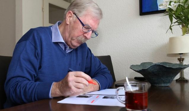 Jan Timmermans brengt het ware verhaal over de Escharense veldwachter Beuvink. (foto Marco van den Broek).