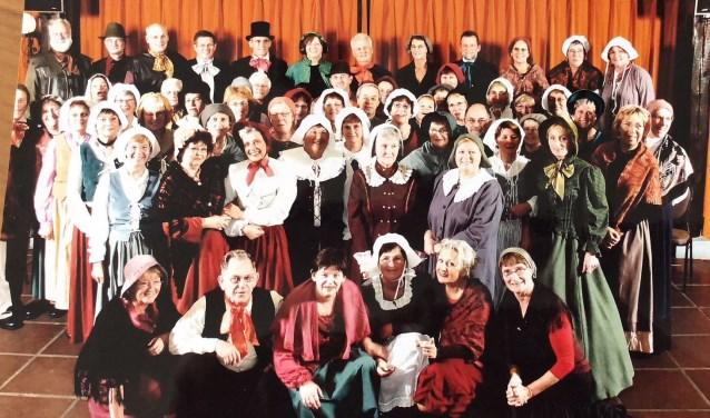 Vivace bestaat 40 jaar en dat wordt gevierd tijdens een gezellig samenzijn op 27 mei. Alle leden en oud-leden zijn van harte uitgenodigd.