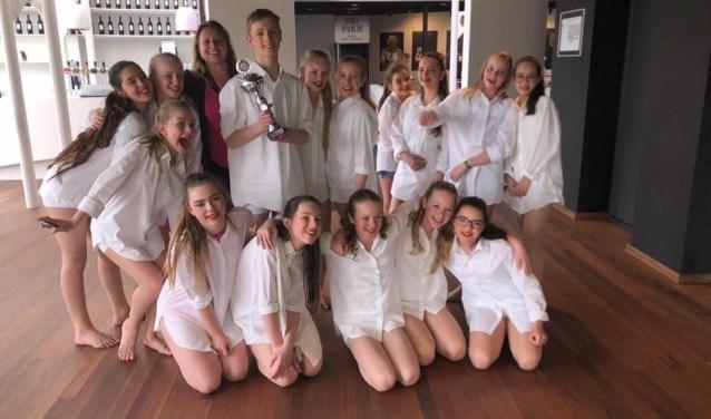 Dansselectie Spot On behaalde zondag de eerste prijs tijdens het dansevenement Showtime in De Leest.
