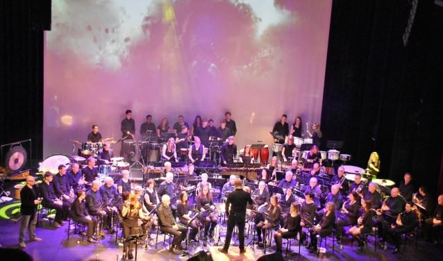 Harmonie UNA tijdens het concert. 'Nacht van de Filmmuziek'.
