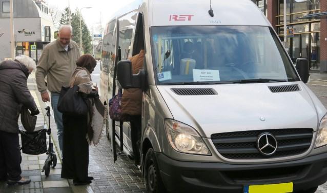 Chauffeurs van de buurtbus zijn hulpvaardig. (Archieffoto GvS)