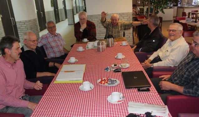 In Den Dungen is de titel Dorpstafel onlangs omgezet in De Buurttafel. De doelstelling om in een ongedwongen sfeer elkaar te ontmoeten blijft ongewijzigd.Foto: Wendy van Lijssel