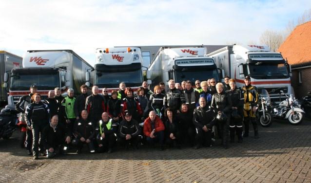 De Veldduivels 'on tour'. De club bestaat officieel 5 jaar, met 12 jaar ervaring. (Foto: Archief MC  De Veldduivels)