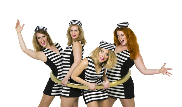 LOS Muziektheater komt op zaterdag 14 april naar Dorpshuis Luctor et Emergo in Rilland met hun voorstelling 'Vast'.
