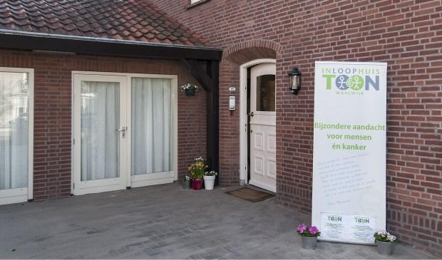 Vrijdag 20 april verrichten Walther en Tineke Trommelen in het bijzijn van genodigden de officiële opening van Inloophuis TOON.