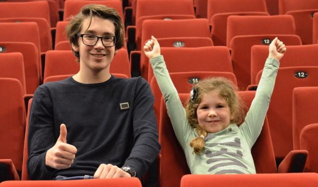 Voor de camera zitten Fiorella en Giorgio in de nu nog lege CKB Theaterzaal, tijdens de Theater Driedaagse op 13, 14 en 15 april kun je ze 2 keer op de planken vande CKB Theaterzaal zien. Giorgio is schrijver van 'Op Kamp' en Fiorella doet mee met de voorstelling 'Wacht maar tot ik groot ben'.