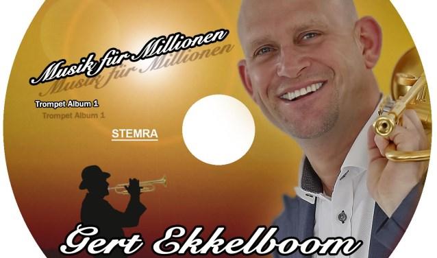 Schlagertrompettist Gert Ekkelboom presenteert met trots zijn nieuwe cd.