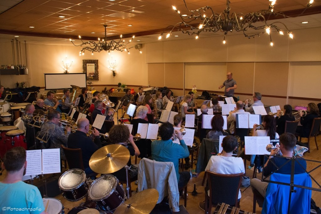 De muzikanten van OBK tijdens de laatste repetitie voor het voorjaarsconcert.