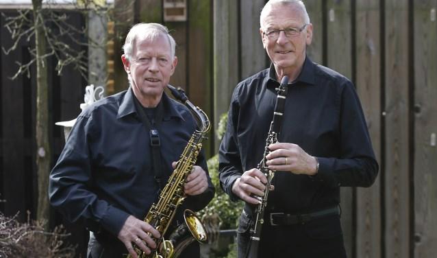 Jan en Frans van UNA. Ze zijn allebei al veertig jaar lang lid. Foto: Jurgen van Hoof.