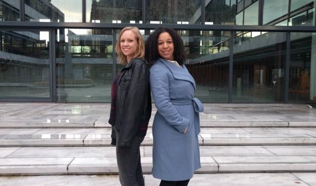 """Nathalie Nede (CU) en Susan van Ommen (D66) zijn met voorkeursstemmen in de gemeenteraad gekozen. """"We zijn ontzettend blij"""", aldus de raadsleden. (Foto: Metka Hagen)"""