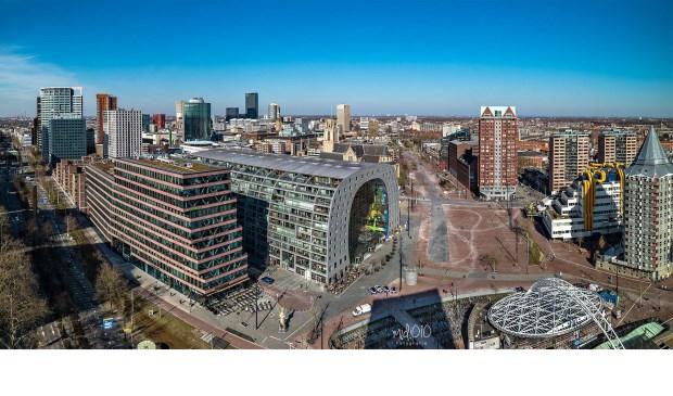 Rotterdamse iconen, zoals de Markthal (fraai vastgelegd door Midi010Fotografie) worden in het buitenland onophoudelijk aangeprezen.