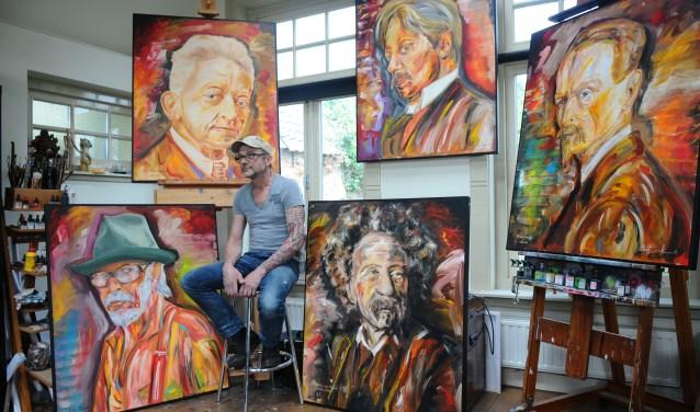 Albert Ziëck is kunstschilder, letterschilder, tatoeëerder, schilder- en restauratiewerken voor monumentale panden.