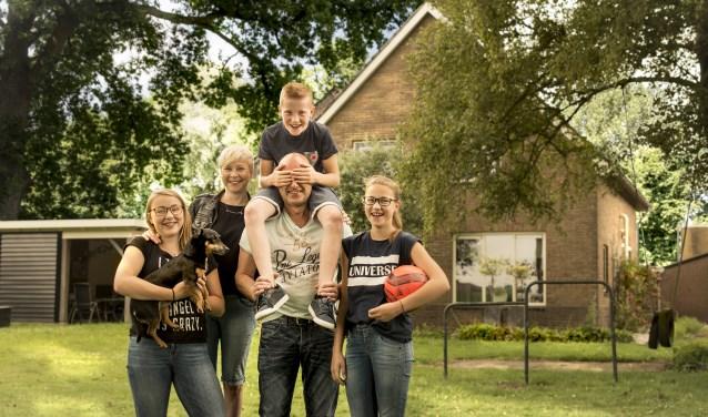 Scholieren kunnen hun huiswerk maken en versturen, ouders kunnen hun financiën regelen en ouderen kunnen gebruik maken van digitale middelen in de zorg: snel internet wordt steeds belangrijker.