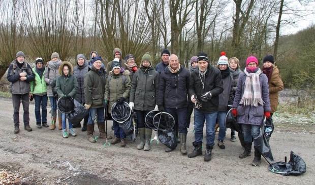 Deelnemers aan de zwerfvuilactie op 17 maart in natuurgebied De Avelingen. Eigen foto