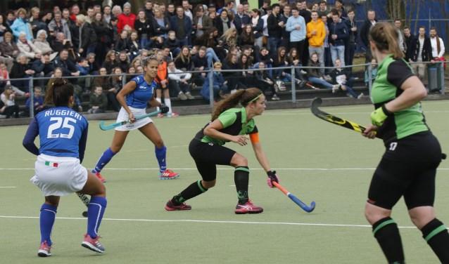 De Boxmeerse hockeysters speelden onlangs tegen Italië. (foto: Bas Delhij)