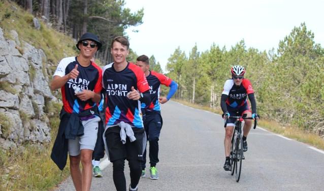Hardlopen, wandelen, fietsen, het kan allemaal. FOTO: Stichting CliniClowns