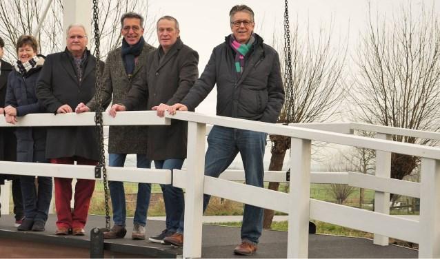 De leden van het Dorpsoverleg. Van links naar rechts: Baltus Pijl, Ap de Ruiter, Joost van den Bosch, Carolien Priem, Dick Dusoswa, Rob van Daalhoff, Wijnand Goudzwaard en John Jespers.