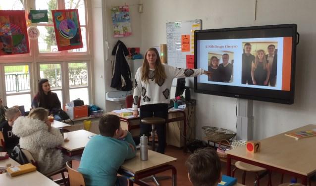 Een presentatie van de Oostenrijkse student over haar afkomst en cultuur van Oostenrijk.