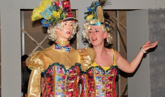 De voorstellingen van 23 en 24 februari moesten wegens tegenslag in de cast van 'Het Circus van Madam Dodeaux' verzet worden. Op 2 en 3 juni gaat het nu wel gebeuren.
