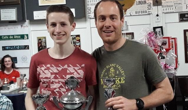 Colin Flentge werd eerste en Arjan van Rijn tweede tijdens de clubkampioenschappen van badmintonvereniging Apollo.
