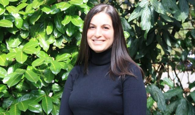 De Biltse schrijfster Nadine Barroso, schrijfster van twee boeken en moeder van drie zonen van 8, 6 en 1,5 jaar oud. FOTO: Astrid van Walsem