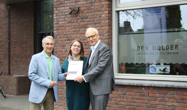 Op de foto van links naar rechts Martin van Steijn, Simone van Griethuijsen en Peter Konijnenburg.