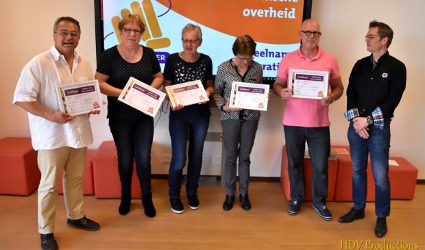 De vijf cursisten, rechts Rob Ribbink van de Gemeente Wijchen.