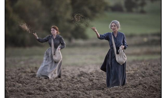 In Les gardiennes zie je de Eerste Wereldoorlog door de ogen van vrouwen, een ongebruikelijk perspectief. (foto: Filmdepot.nl)