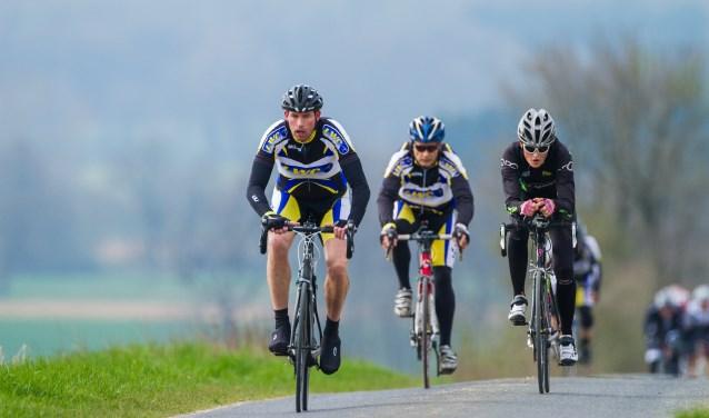 De Schöppingerberg Tour van de Losserse Wielerclub LWC is volgens de kenners van de NTFU echt een pareltje. Wielrenners kunnen kiezen uit drie afstanden: 70, 90 en 110 kilometer. Foto: Ronald Kamphuis