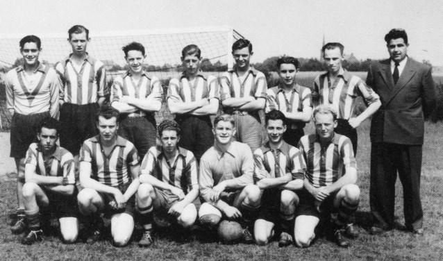 Een oude RKVVO-voetbalprent uit het jaar 1955