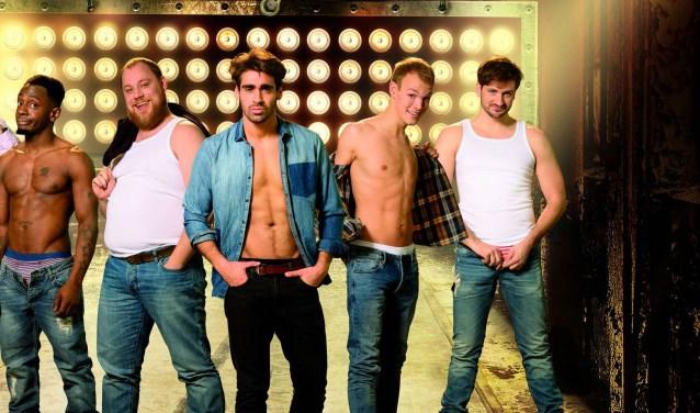 Een schitterende Nederlandse cast van mannelijk schoon speelt in 'The Full Monty'.
