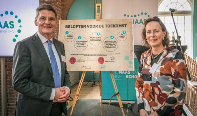 Kees Jan de Vet (dijkgraaf waterschap Brabantse Delta) en Annette Ottolini (algemeen directeur Evides Waterbedrijf). Beide zijn bestuurlijk ambassadeur Schone Maaswaterketen.