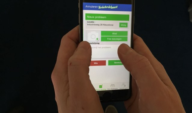 In de VerbeterdeBuurt-app kunnen mensen klachten doorgeven of meldingen maken van een probleem of met een idee komen.