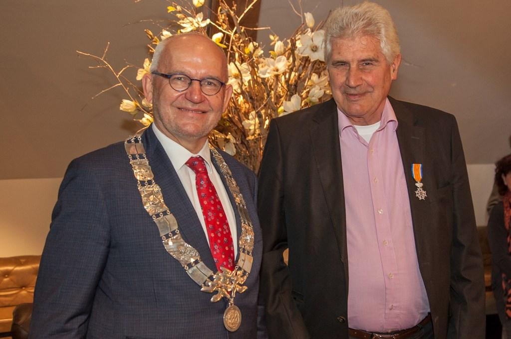 Wil Sierat werd onderscheiden tot Lid in de Orde van Oranje-Nassau. (FOTO: Cees van Meerten)   © Persgroep