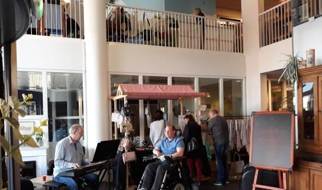 Veel bezoekers kwamen zaterdag 14 april naar Rivas-locatie De Waalburcht. (Foto: Privé)