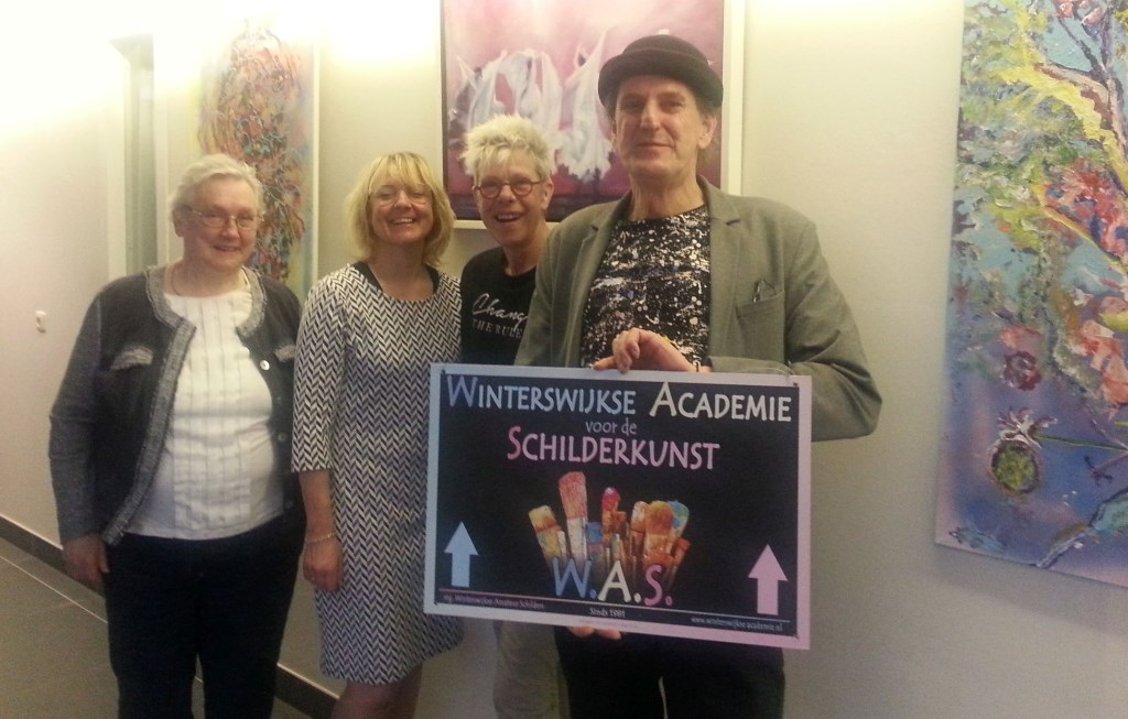 Leden van de Winterswijkse Amateur Schilders exposeren hun werk in De Pelkwijk. Foto: PR © Persgroep