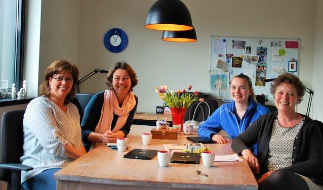 Monique Willems, Riëtte van Laarhoven, Maud van Grotel en Marjolein Burger zijn blij met hun keuze voor Buurtzorg. In Oirschot werd in 2017 een tweede team opgezet.