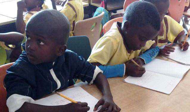 Kinderen op de basisschool in Kartong, Gambia. (Eigen foto)
