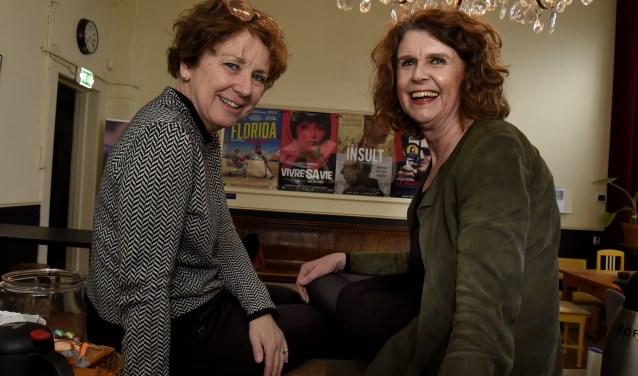 Marleen Bekkers en Marjoleine van Duin vormen de interim-directie van Filmhuis Gouda totdat er zekerheid is over de toekomst. Foto: Marianka Peters