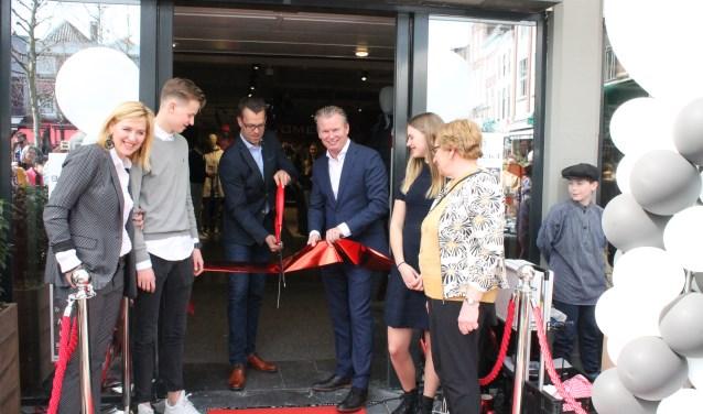Bomont Goes opende zaterdag 7 april de deuren van haar vernieuwde vestiging. FOTO: Leon Janssens