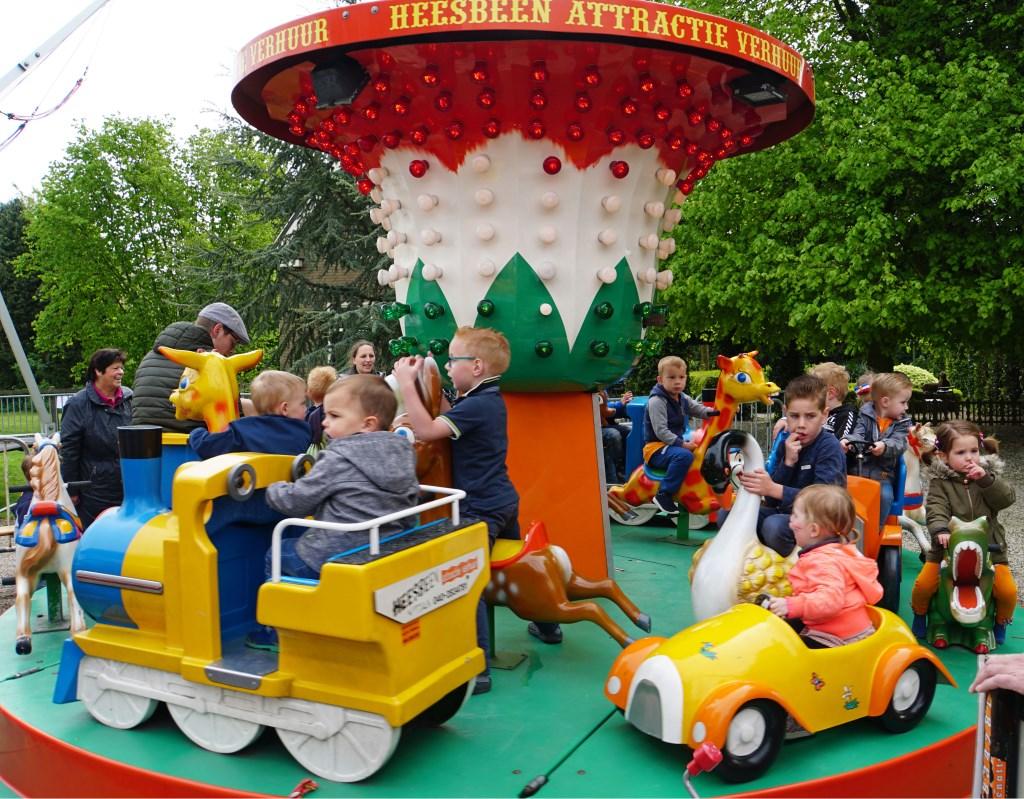 De kinderen kom in Kesteren volop aan hun trekken (foto Jan Woldberg) Foto: Jan Woldberg © Persgroep