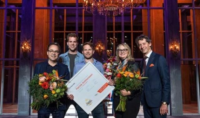 Fred Boot, Wijnand Speelman, Patrick Anthonissen, Karna Hazelhoff Roelfzema en Peter Douwes. FOTO: ORANJE FONDS / BART HOMBURG