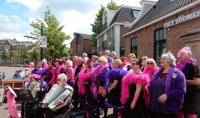 Oldenzaal wordt op 12 mei overspoeld door smartlappenzangers uit het hele land. En iedereen mag natuurlijk meezingen.